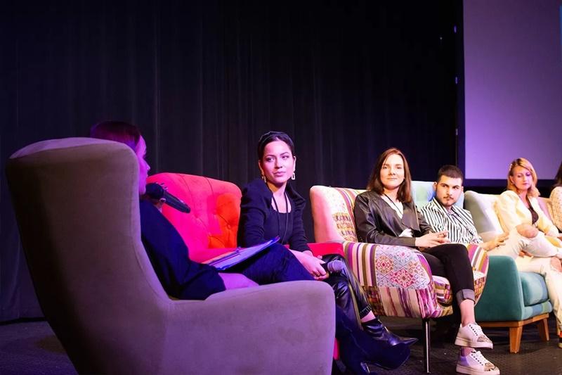 bloger-fest-2019-festival-panel-min